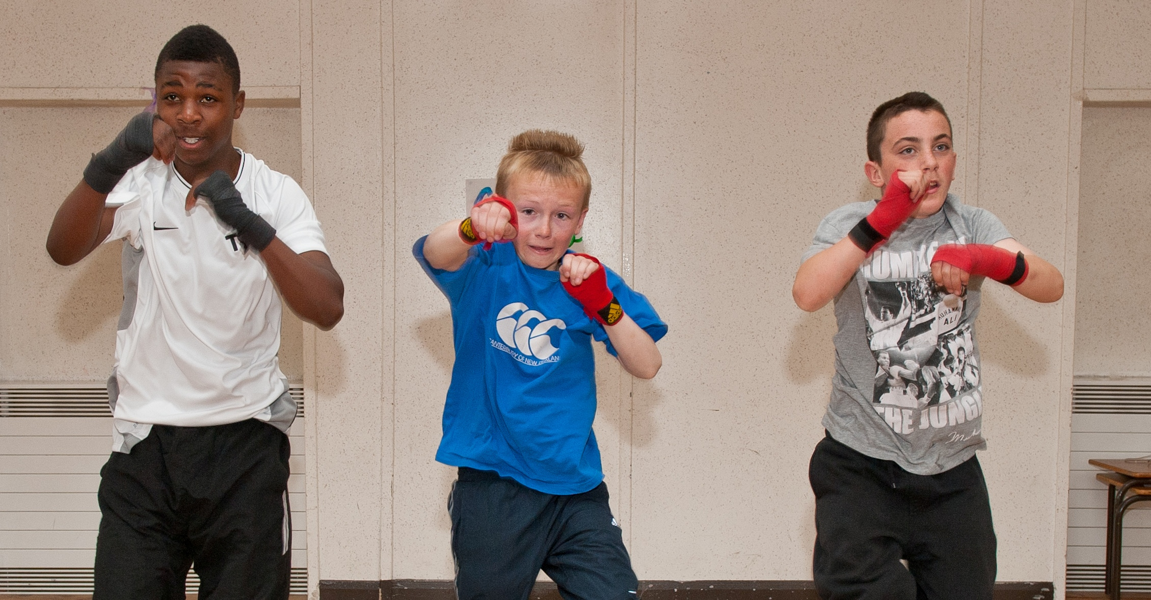 Young boxers show heads of state the way