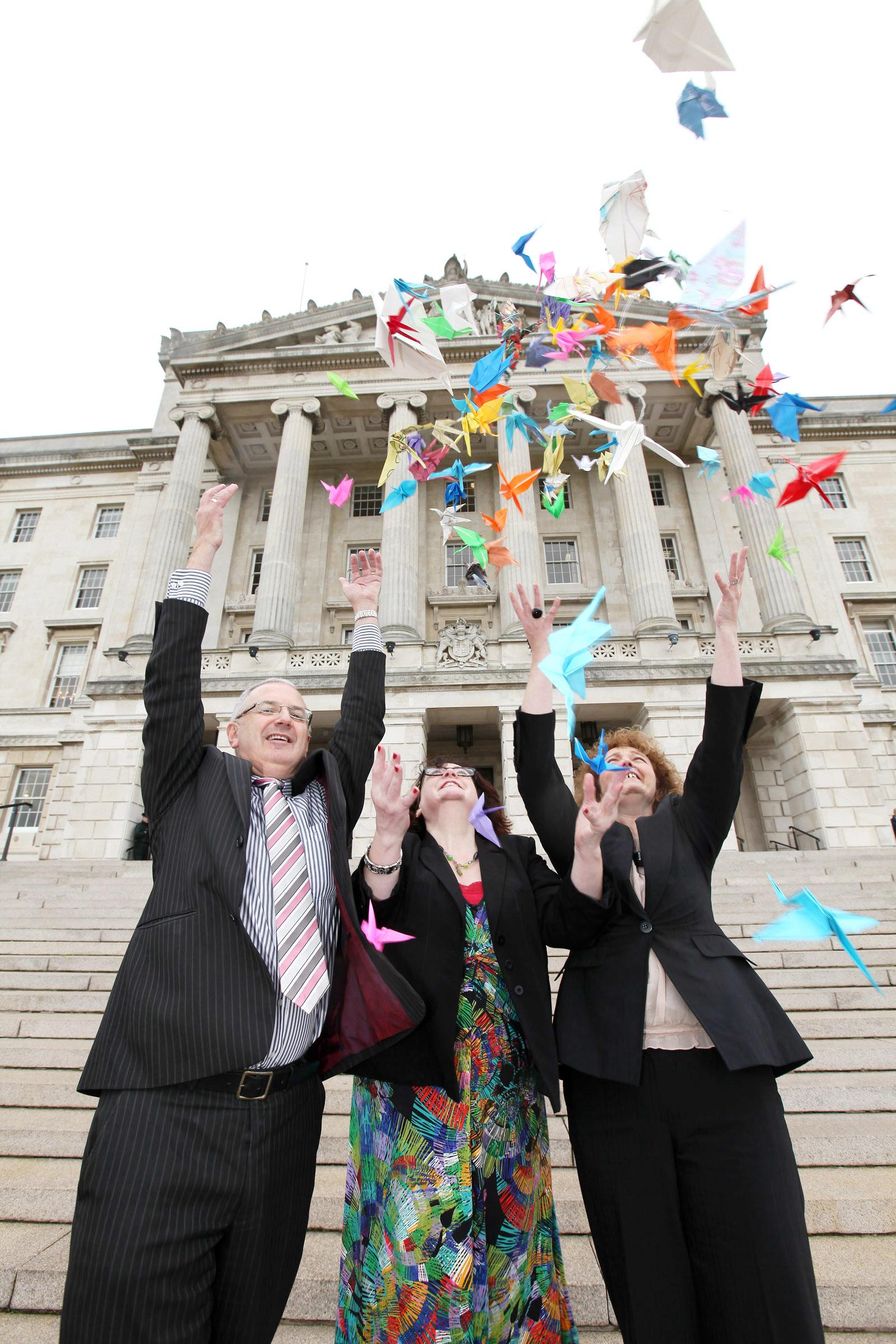 Politicians make origami cranes to celebrate World Peace Day