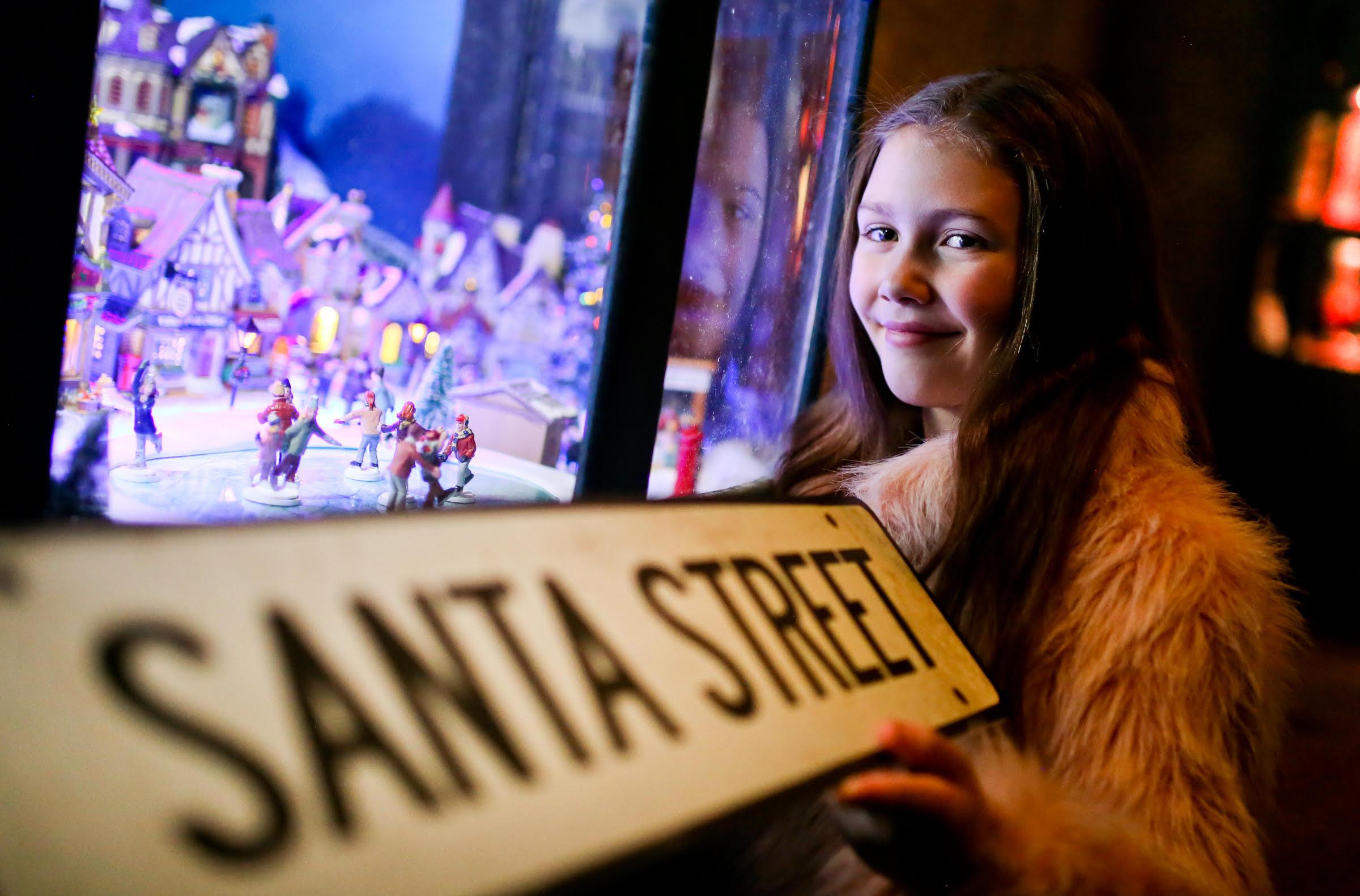 W5 takes a stroll down Santa Street